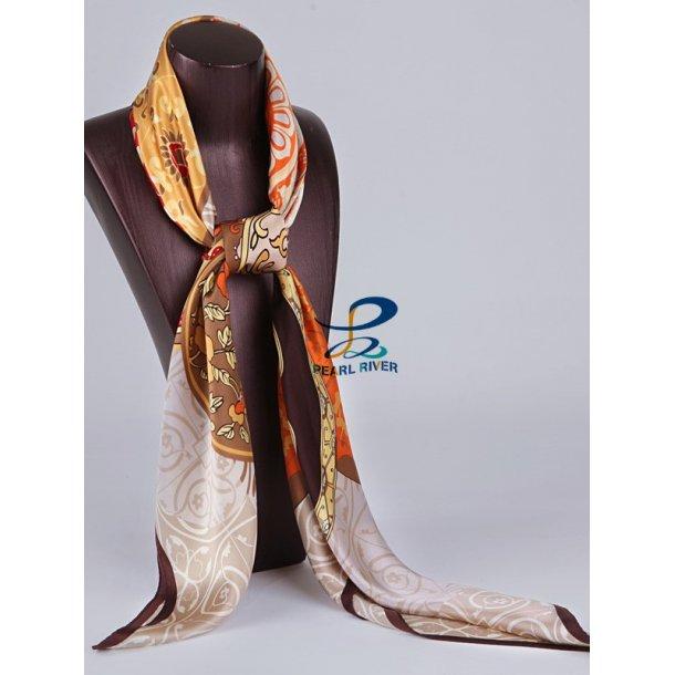 Silketørklæde med sølvhvid baggrund