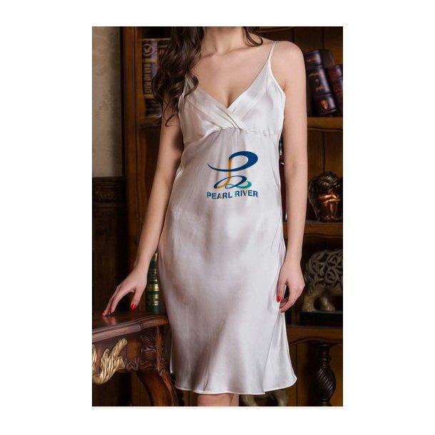 Hvid silkekjole i flot enkelt design