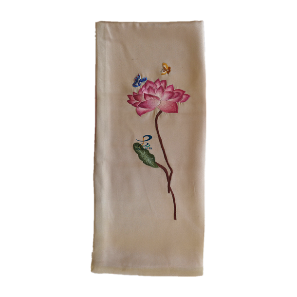 Silketørklæde med lotus broderier